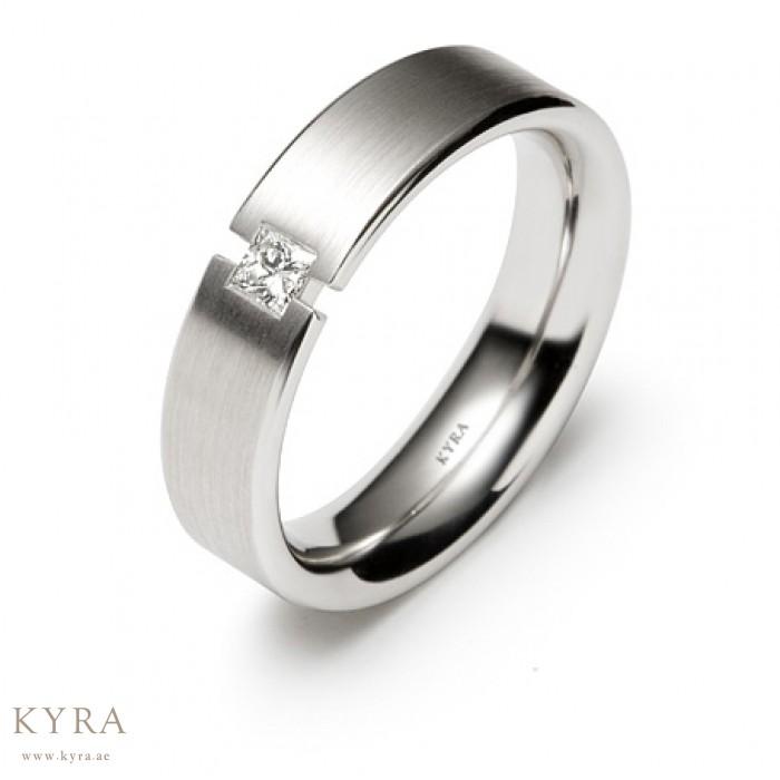 Platinum Wedding Rings.Single Diamond Platinum Wedding Ring
